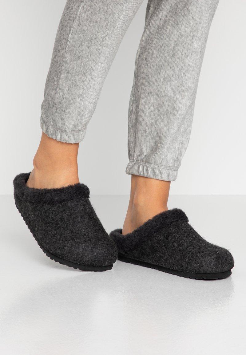 Birkenstock - KAPRUN - Slippers - anthracite/black