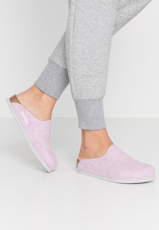 AMSTERDAM  - Pantoffels - pastel lilac