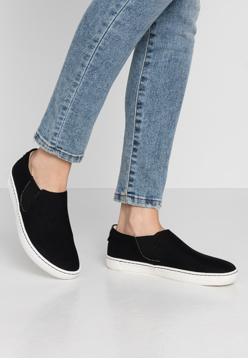 Birkenstock - BARRIE - Slippers - black