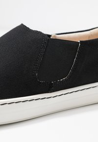 Birkenstock - BARRIE - Slippers - black - 2