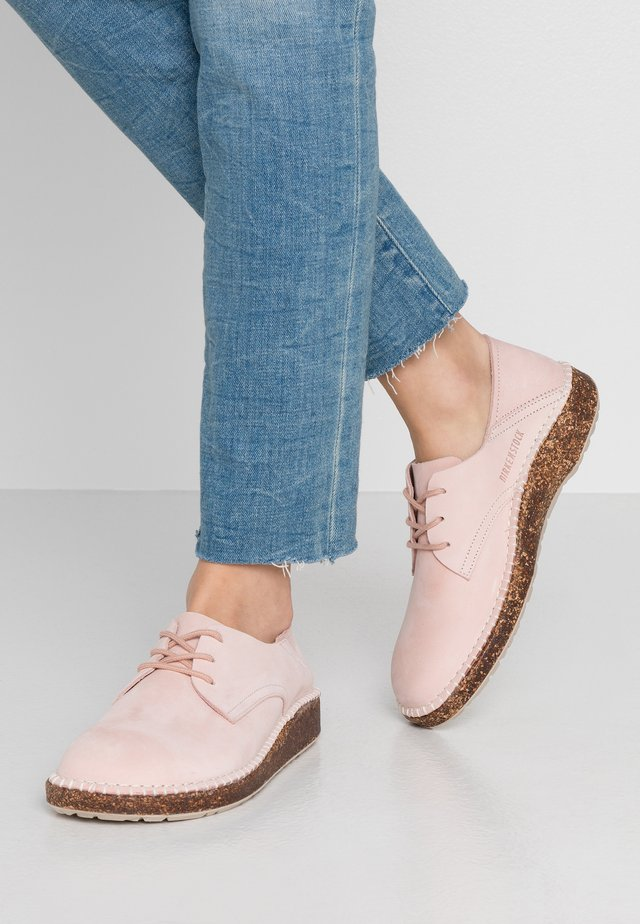 GARY - Volnočasové šněrovací boty - dusty rose