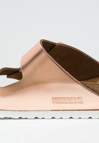 Birkenstock - ARIZONA - Pantolette flach - metallic copper - 2
