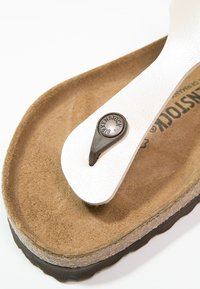 Birkenstock - GIZEH  - T-bar sandals - pearl white - 2