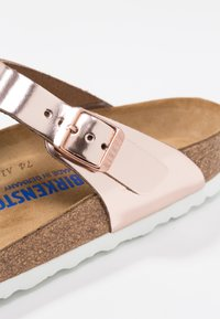 Birkenstock - GIZEH - T-bar sandals - metallic copper - 2