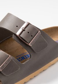 Birkenstock - ARIZONA SOFT FOOT BED - Sandalias planas - antique pull anthracite - 5
