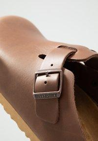 Birkenstock - BOSTON SOFT FOOTBED - Clogs - antique pull espresso - 5