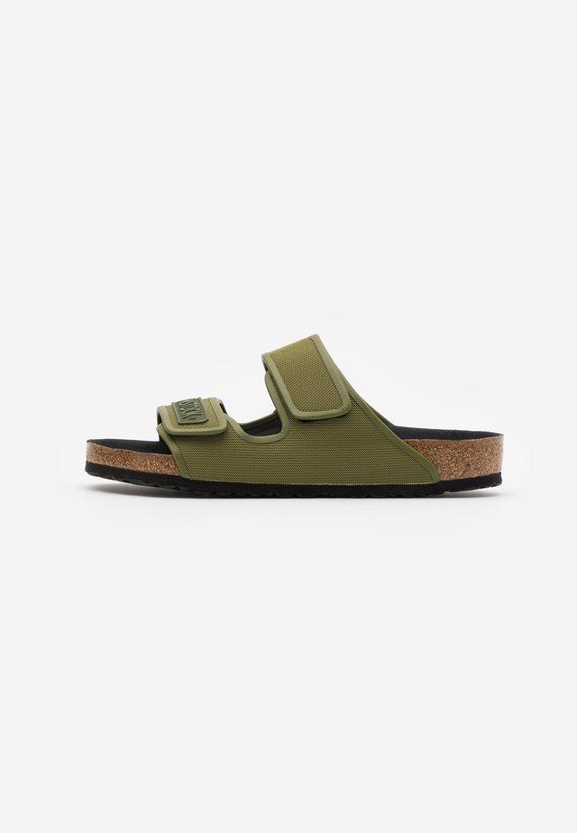 DELFT - Pantofle - green