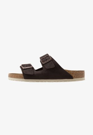 ARIZONA - Pantoffels - steer soft brown