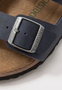 Birkenstock - ARIZONA VEGAN - Chaussons - matt navy - 5