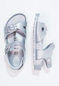 Birkenstock - RIO - Sandály do bazénu - metallic silver - 1