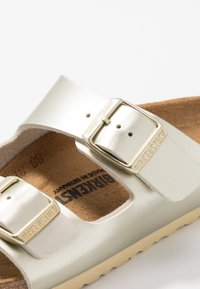 Birkenstock - ARIZONA - Chaussons - electric metallic gold - 2