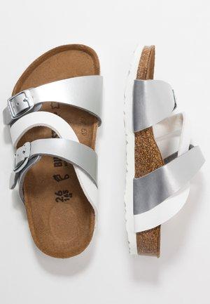 SALINA KIDS - Pantofole - silber