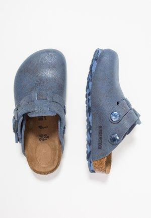 KAY - Tohvelit - sandwashed blue