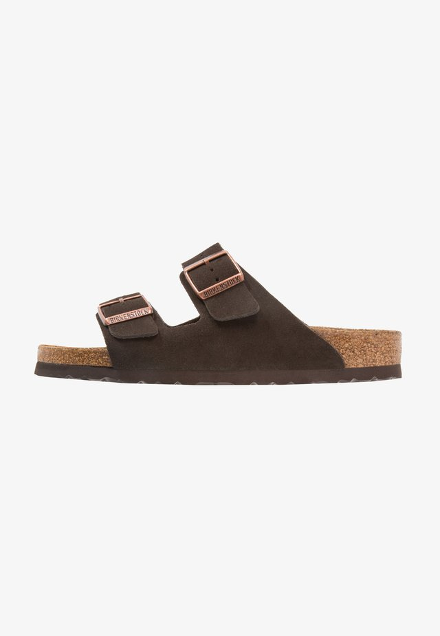 ARIZONA SOFT FOOTBED NARROW FIT - Tohvelit - mocca