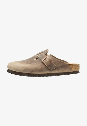 BOSTON - Slippers - tabacco brown