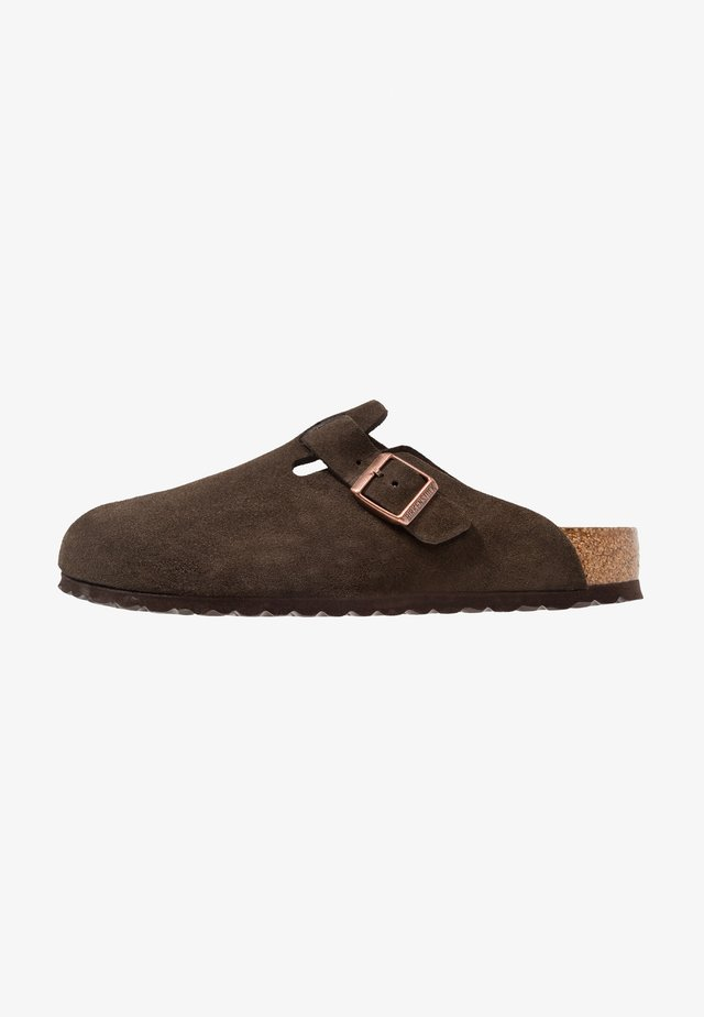 BOSTON - Slippers - mocca