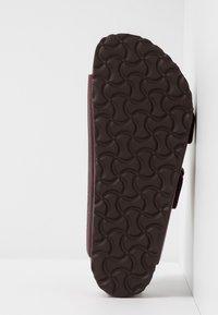 Birkenstock - ARIZONA SOFT FOOTBED - Domácí obuv - zinfandel - 4