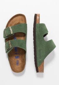 Birkenstock - ARIZONA SOFT FOOTBED NARROW FIT - Tofflor & inneskor - green - 1