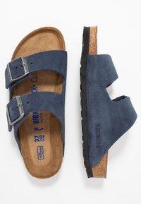 Birkenstock - ARIZONA SOFT FOOTBED NARROW FIT - Domácí obuv - night - 1