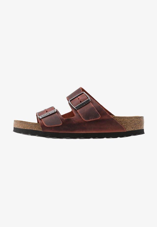 ARIZONA SOFT FOOTBED - Slippers - earth red