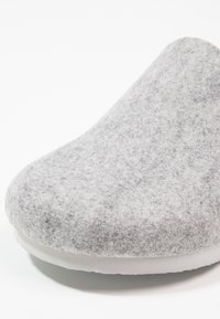 Birkenstock - AMSTERDAM - Pantuflas - light grey - 5