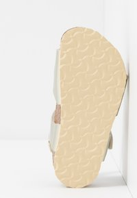 Birkenstock - RIO - Sandály - electric metallic gold - 5