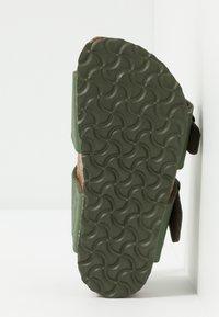 Birkenstock - NEW YORK - Sandali - saddle green - 5