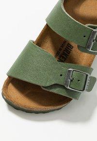 Birkenstock - NEW YORK - Sandali - saddle green - 2
