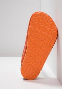 Birkenstock - AMSTERDAM NARROW FIT - Tohvelit - doubleface orange - 5