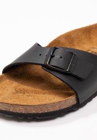 Birkenstock - Madrid - Domácí obuv - black - 2