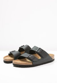 Birkenstock - ARIZONA - Matalakantaiset pistokkaat - black - 2