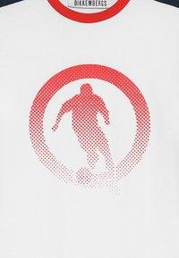 Bikkembergs Kids - Langærmede T-shirts - white - 3