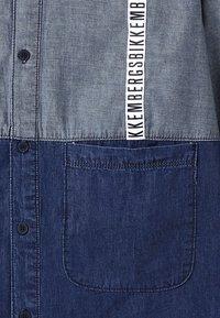 Bikkembergs Kids - Vapaa-ajan kauluspaita - blue denim - 2