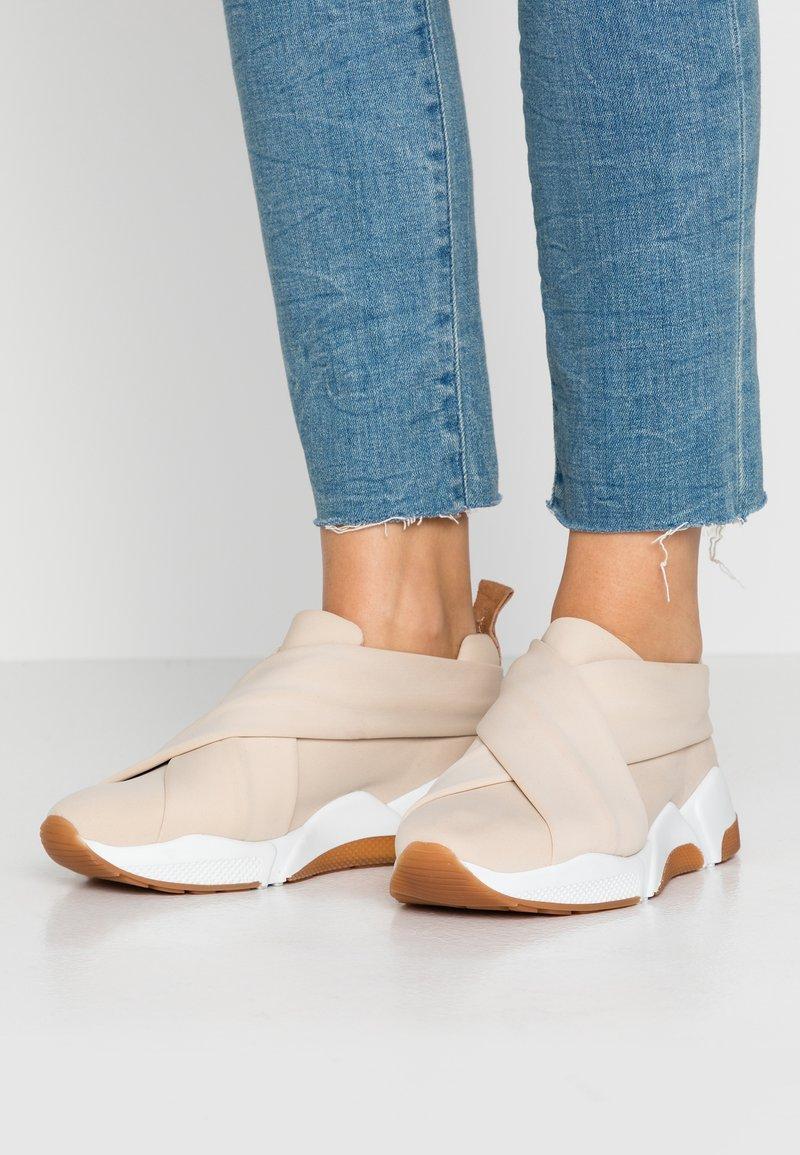Billi Bi - Nazouvací boty - beige