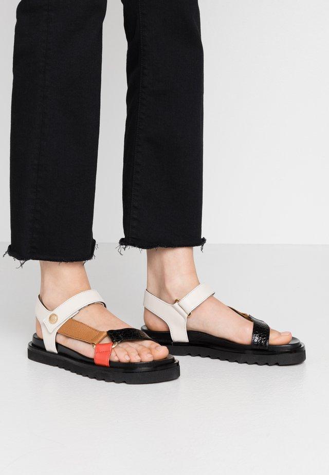 Sandaalit nilkkaremmillä - black/brown/latte