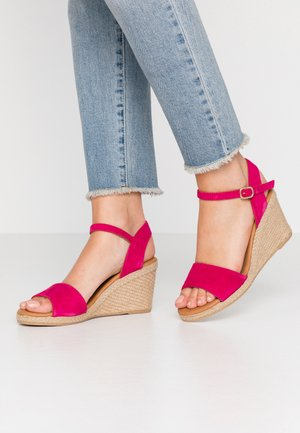 Sandály na klínu - amalfi fuxia