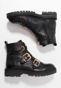 Billi Bi - Cowboystøvletter - black/gold - 3