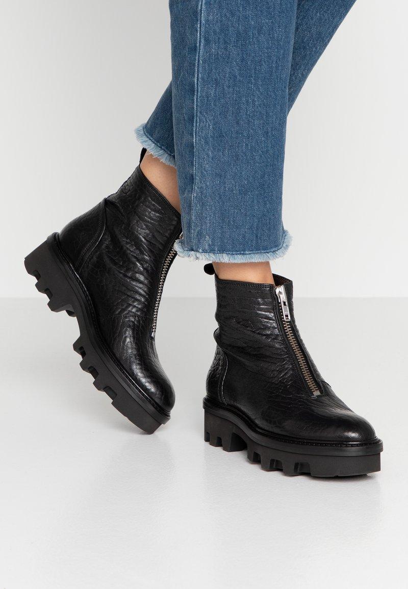Billi Bi - Platform ankle boots - black/silver