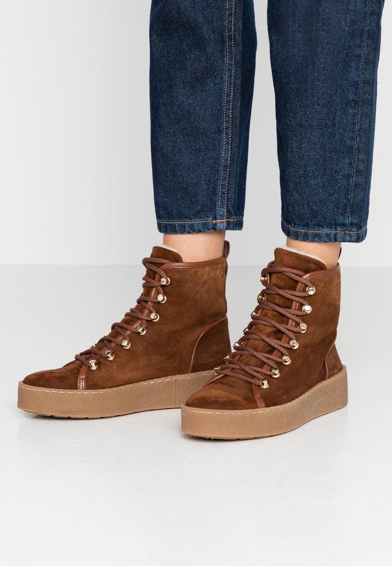 Billi Bi - Platform ankle boots - cognac