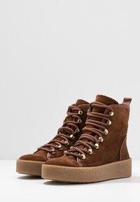 Billi Bi - Platform ankle boots - cognac - 4