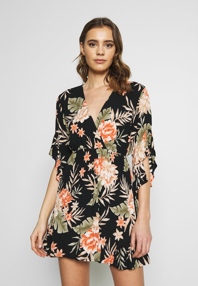 LOVE LIGHT - Korte jurk - black floral