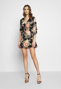 Billabong - LOVE LIGHT - Vestido informal - black floral - 1