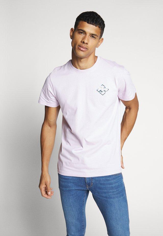 BUNKER TEE - T-shirts med print - lavender