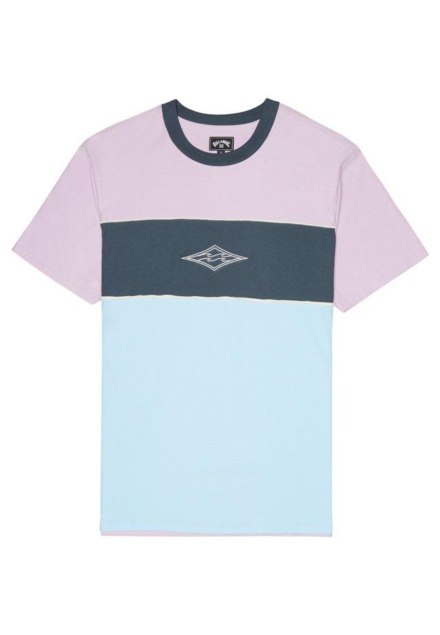 T-shirt print - coastal