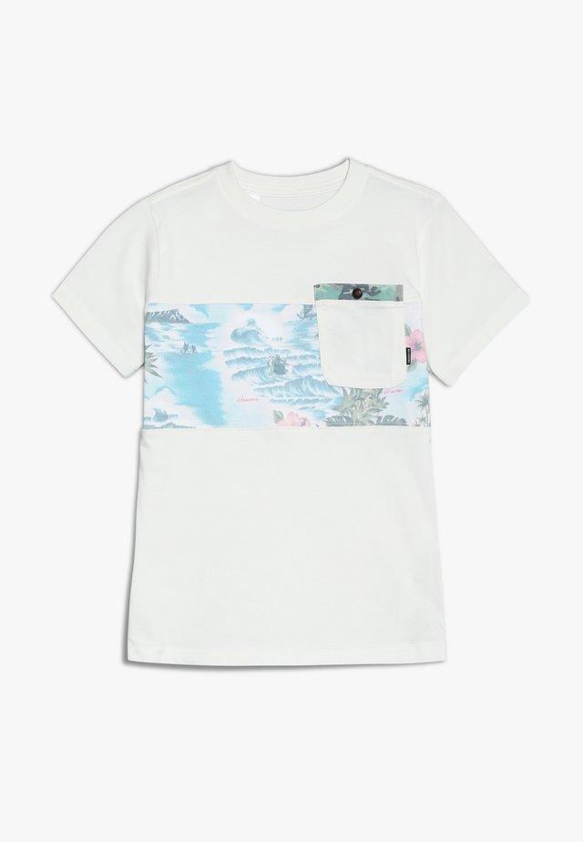TRIBONG BOYS - Camiseta estampada - bone