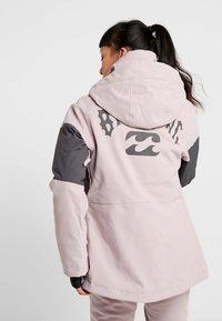 Billabong - SAY WHAT - Snowboardová bunda - light pink - 2