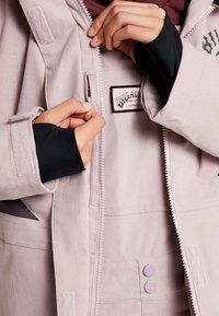 Billabong - SAY WHAT - Snowboardová bunda - light pink - 5