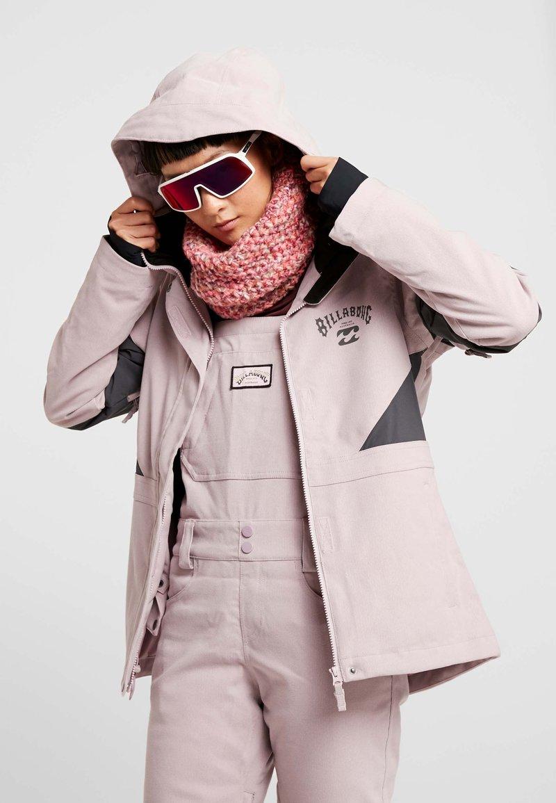 Billabong - SAY WHAT - Snowboardová bunda - light pink