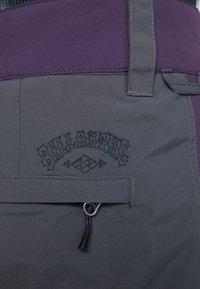 Billabong - TUCK KNEE - Ski- & snowboardbukser - dark purple - 6