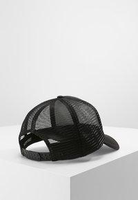 Billabong - PODIUM TRUCKER - Caps - black/white - 2